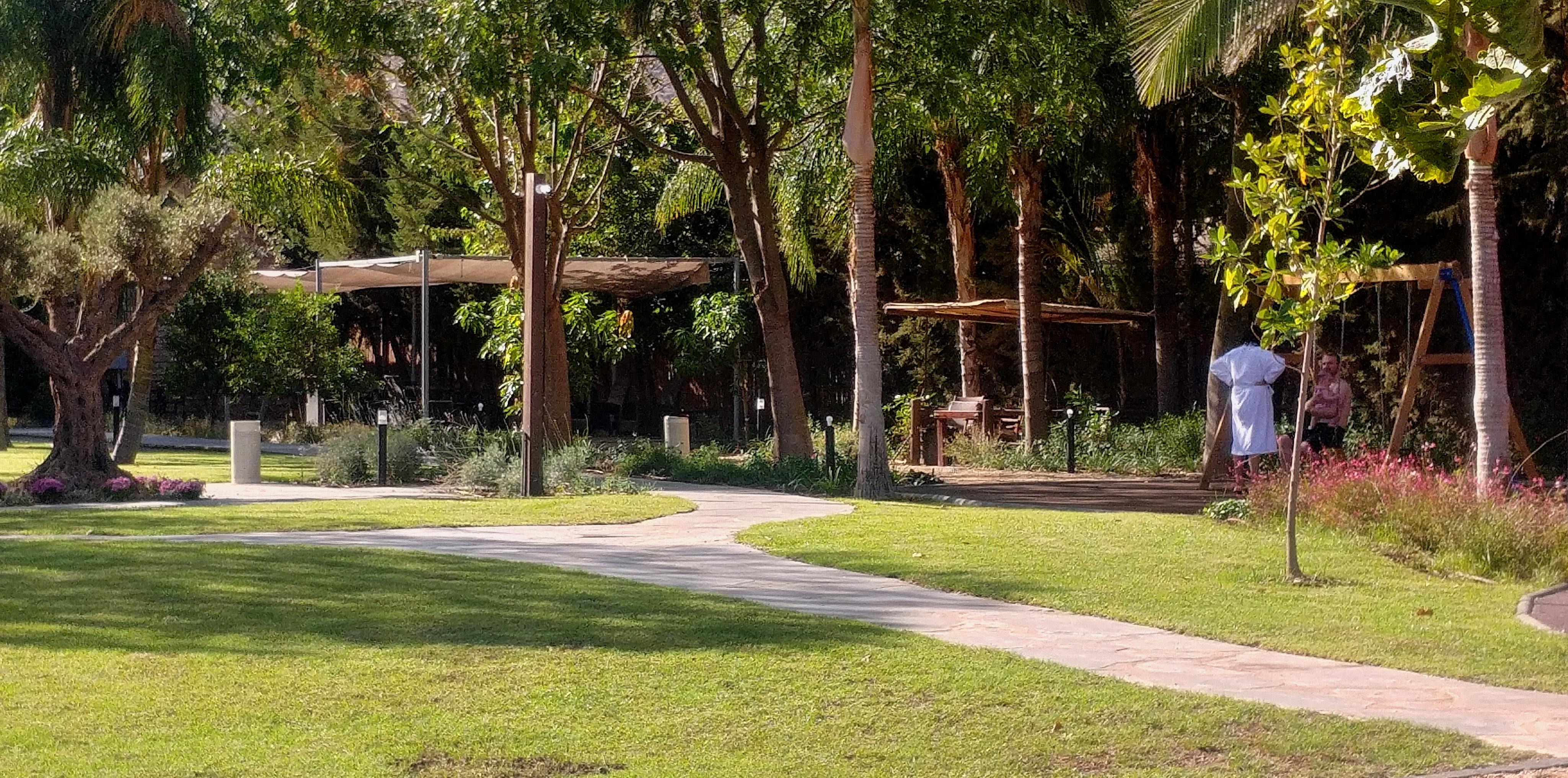 גן במלון חלומות נפתלי. גליל עליון (2)